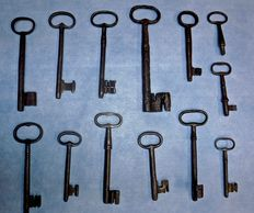 Lot of 13 Italian keys, from the 18th to the 19th century