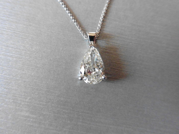 product setting pendant gold pear diamond shaped