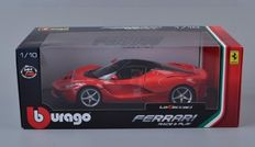 Bburago - 1/18 scale - La Ferrari - red and black
