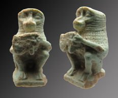 Egyptian faience amulet of Toth (Baboon) with Horus eye (Wedjat) in his hands - 24 mm
