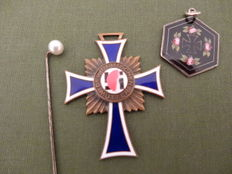 Mother cross bronze - Iron Cross pendant - pin pearl