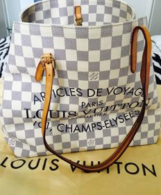 Louis Vuitton – Cabas MM Damien Azur