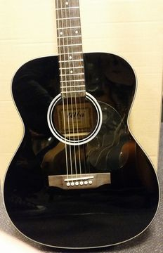 Alba by Corbin SDG320BK Concert-model with steel strings, piano lacquer