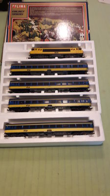 Lima H0 - Electric locomotive Series 1600 with 4 carriages of the NS