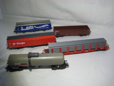 Marklin H0 - 5 freight carriages from starter set 29805 of DB