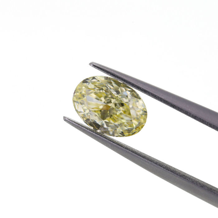 Natural Fancy Light Yellow 1.35 ct. Oval shape Diamond, GIA Certified