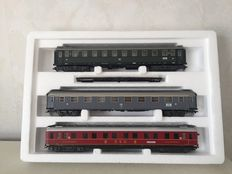 "Märklin H0 - 42942 - 3-piece carriage unit ""Riviera Express"" of the FS and the DB"