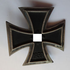First Class Iron Cross 1939 (magnetic)/Germany