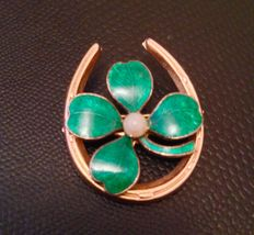 Old Art Nouveau brooch, gold-plated and enamelled clover
