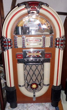 "Jukebox 1015 style, Retro "" Wurlitzer"" von ""Elta-Typ 2752"", Radio, Tape, CD"