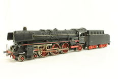 Märklin H0 - 3048 - Steam loc with tender BR 01 of DB