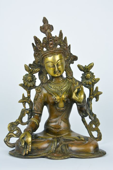 Sitting White Tara in bronze - India/Nepal - End of the 20th century