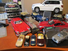 Various - Scale 1/14-1/60 - Lot with 30 Mercedes-Benz models