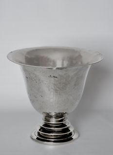 Silver tabletop vase - signed by Antonio Giacchè