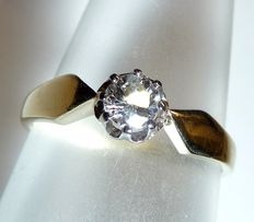 14 kt / 585 gold ring - solitaire diamond of approx. 0.30 ct Ring size 52-53 / 16.5-16.8 mm adjustable