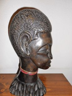 Bust of an African man hand sculpted in ebony wood - 317 x 156 x 89 mm - 1535 gr
