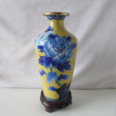 Cloisonne vase on wooden base – China – 2nd half 20th century