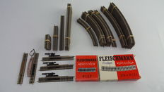 Fleischmann N – 9100/9101/9102/9114/9120/and others - 74 piece rails package with straight and curved rails with bedding