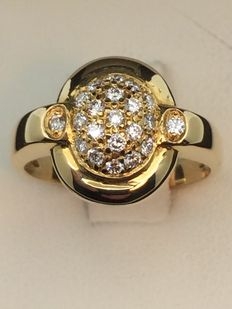 Ring in 750 gold, diamonds, size 55.