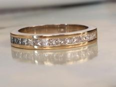 18 kt Yellow gold ring with princess cut diamonds - approx. 1.00 ct - ring size: 19.00–19.15 mm
