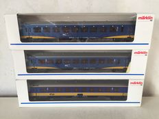 Märklin H0 - 4265/42641/42642 - Teee IC+ carriages and 1 2nd class carriage of the NS