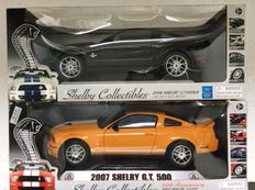 Shelby Collectibles - Scale 1/18 - 2008 Shelby GT 500 KR and 2007 Shelby GT 500