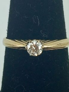 18k Gold Vintage Engagement Diamond Ring - size 56