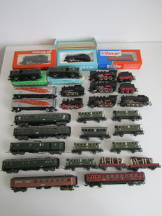 Märklin H0 – Various locomotives and carriages, running or for crafting purposes