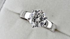 1.57 ct round diamond ring made of 18 kt white gold - size 7,5