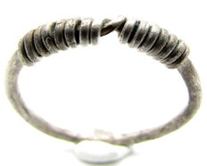 """Rare Medieval, Viking Silver Twisted Ring with """"Knot"""" Bezel - 21mm"""