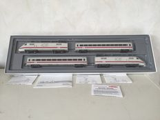 Märklin H0 - 3370 – Four piece ICE BR 401 of the DB, Express edition