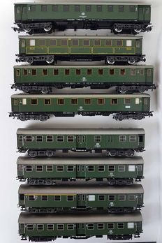 Märklin H0 - 4131/-32/-33/-34/-35/-39/-45 - 8 passenger carriages of the DB