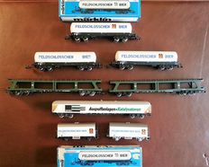 Märklin H0 - 4084/4632/etc. - 8 freight- / tank carriages, of which 5x Feldschlösschen of the SBB and 2x car train of the DB