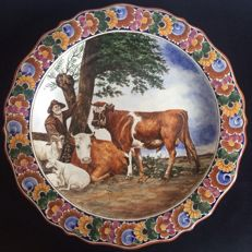 Large hand-painted wall plate, the Bull of Paulus Potter