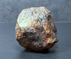 Uruacu - Oktaedrite IAB MG (Main group) - Iron Meteorite in Natur as found and unique patina - 6.65 x 6.25cm - 358.60g