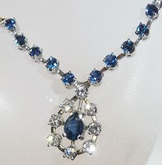 Necklace made of 18 kt / 750 white gold with sapphires and brilliant-cut diamonds of 0.56 ct. Total approx. 2.56 ct