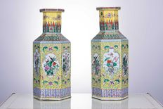 Two hexagonal porcelain vases – China – 19th century