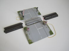 Märklin H0 - C-rail automatic railroad crossing