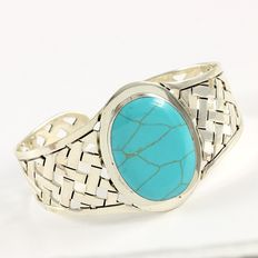 Solid .925 Sterling Silver, 30x24 mm Turquoise Bracelet - Weight :  37.0 Grams, Diameter : 45 mm
