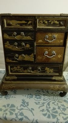 Old jewellery box/miniature chest of drawers – Japan – Early 20th century