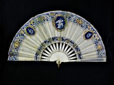 A Louis XVI style bone and painted silk hand fan - France - 19th century