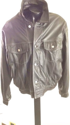 Levi Strauss & Co. – Quilted black leather vintage jacket