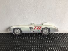 Painting on shaped plexiglass - MERCEDES 300 SLR FANGIO