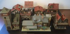 Vollmer/Kibri/Faller/Pola H0 – half-timbered houses, fire station, burnt half-timbered house, station and other houses.