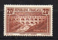 France 1929 - Pont du Gard, Type 1 - Yvert no. 262A.