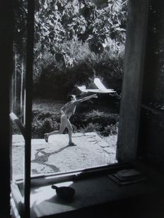 "Willy Ronis (1910-2009) - ""Vincent aéromodéliste"" 1952"