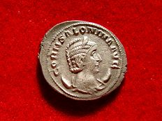 Roman Empire - Salonina (254-268 A.D.) silvered antoninianus (3,36 g, 23 mm.)  Mediolanum mint, 253 A.D. VESTA. Vesta patera and sceptre.