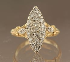 18 kt bicolour gold marquise ring set with 21 diamonds in total, approx. 0.27 ct, ring size 17 (53)