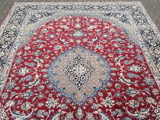 Persian ISFAHAN - oriental rug - approx. 385 x 297 cm - with certificate of authenticity - ONLY 1 YEAR OLD - MINT CONDITION!
