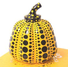 Yayoi Kusama - Pumpkin - yellow - with box